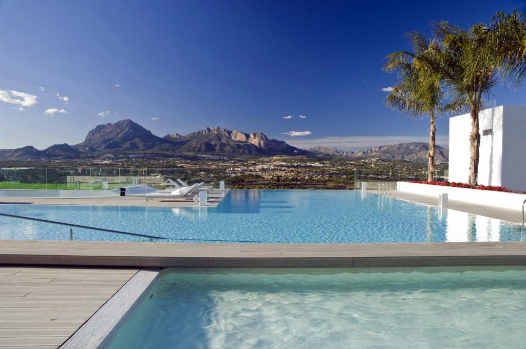 piscina gresite balnco 2