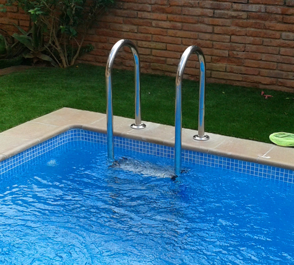 escalera prefabricada piscina